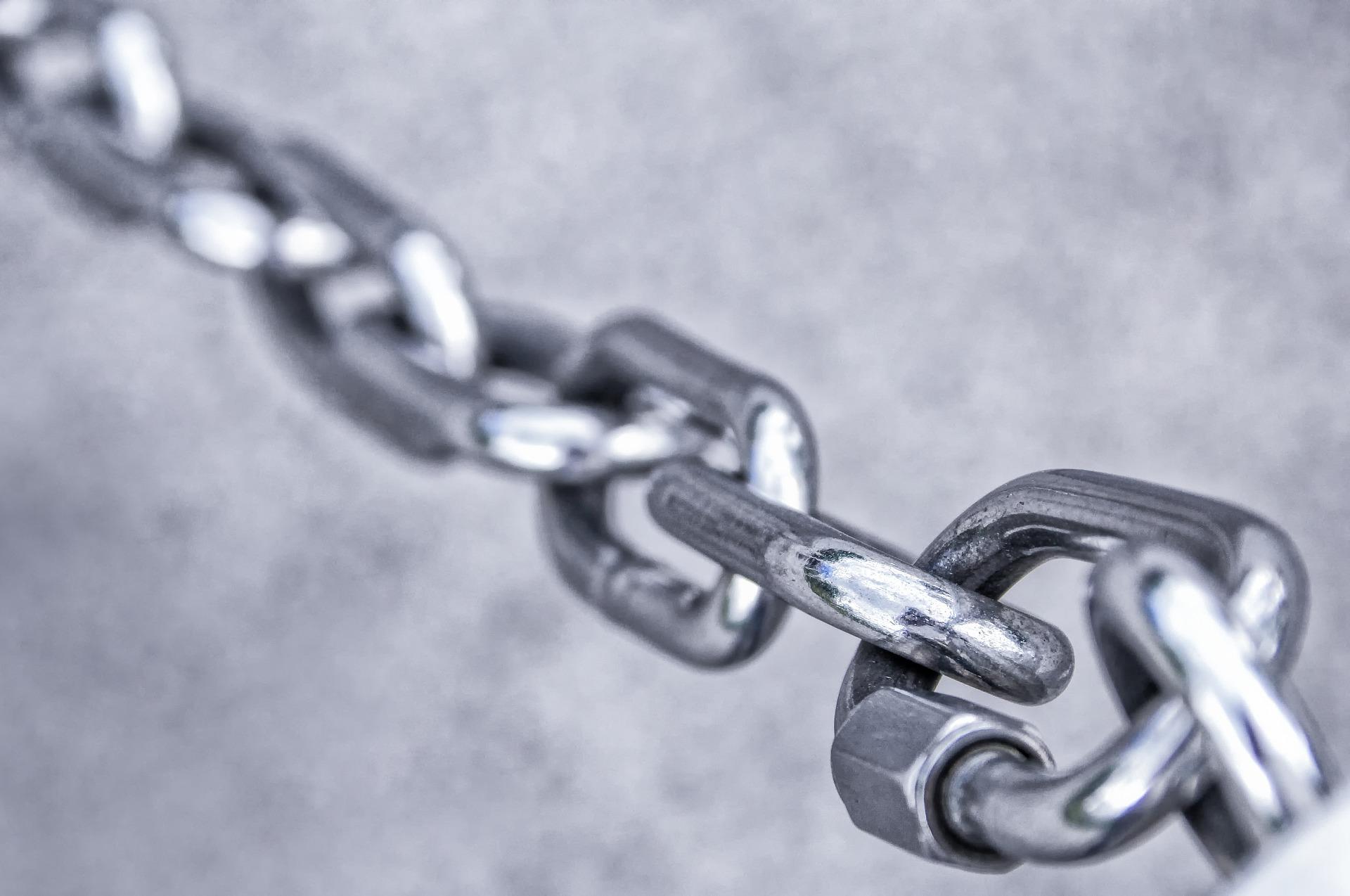 Blockchain można porównać do łańcucha - Internet of Things - dane IoT