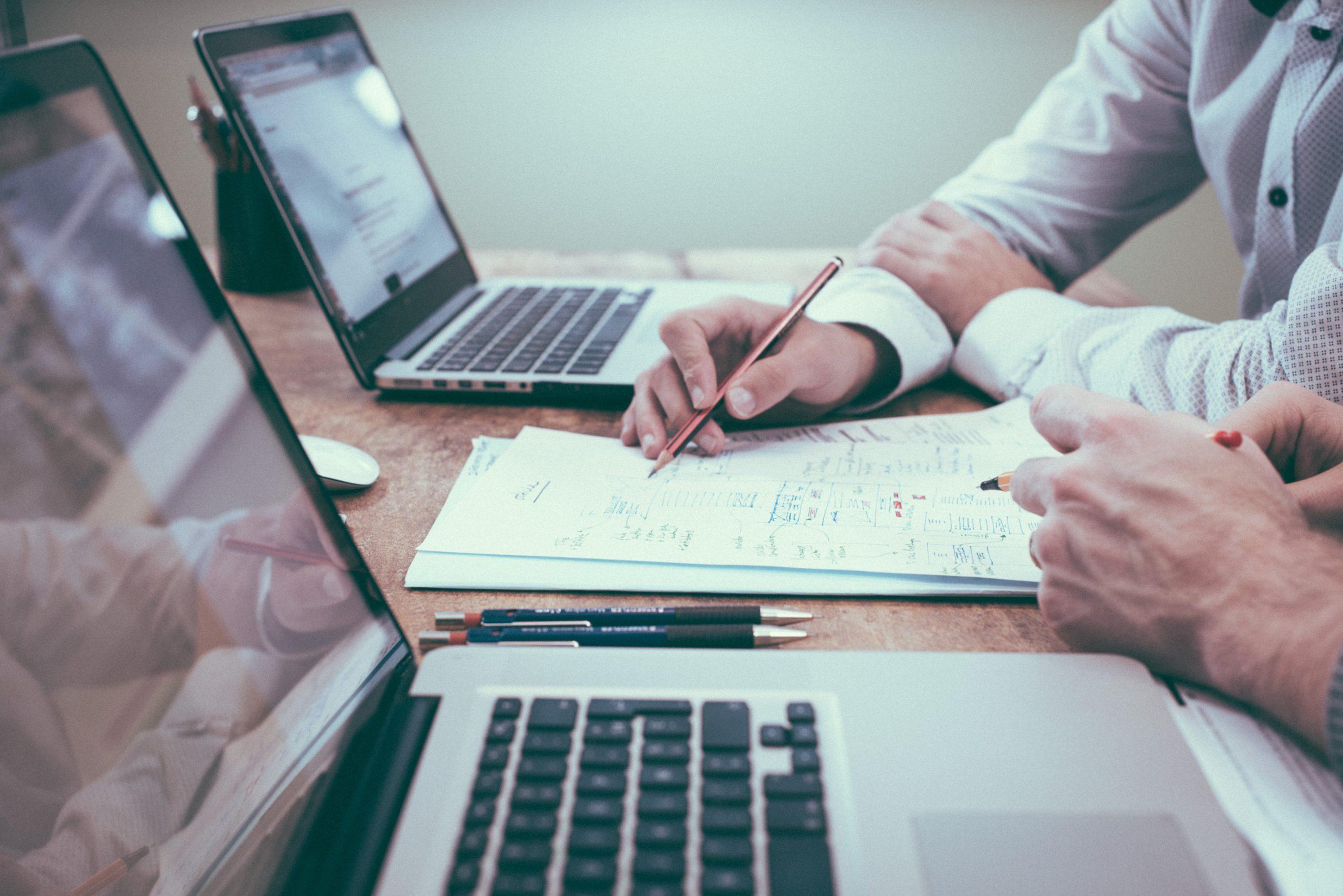 Programista Node.js – jak znaleźć właściwego pracownika